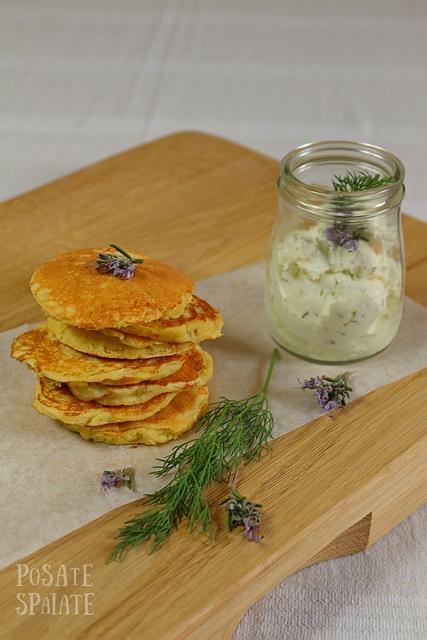 Pancakes salati ai fiori di zucchina e erbette