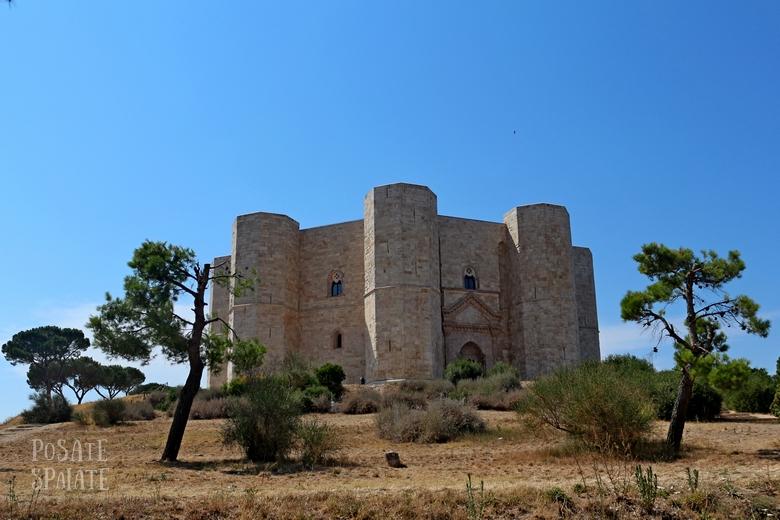 Puglia Castel del monte - Posate Spaiate