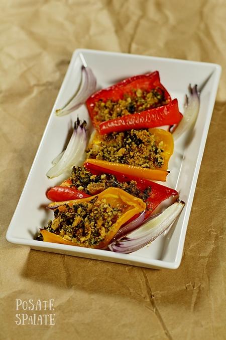 Peperoni gratinati con capperi e aromi