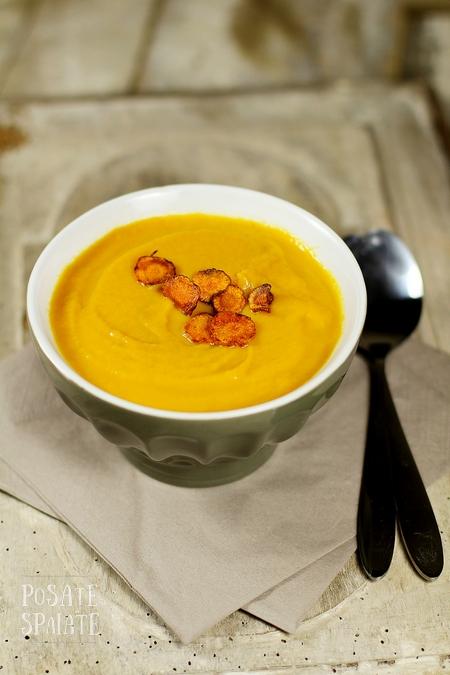 La crema di carote con latte di cocco e spezie