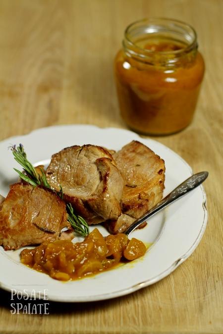 Il chutney di mango con il filetto di maiale