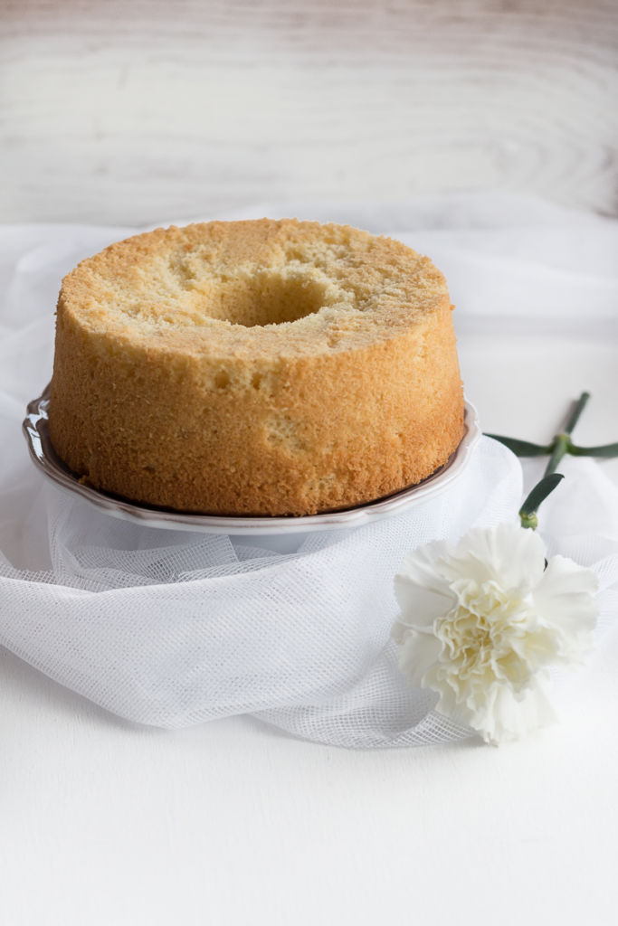 Chiffon cake al limone da guarnire