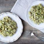 Riso integrale mantecato con crema di zucchine al basilico