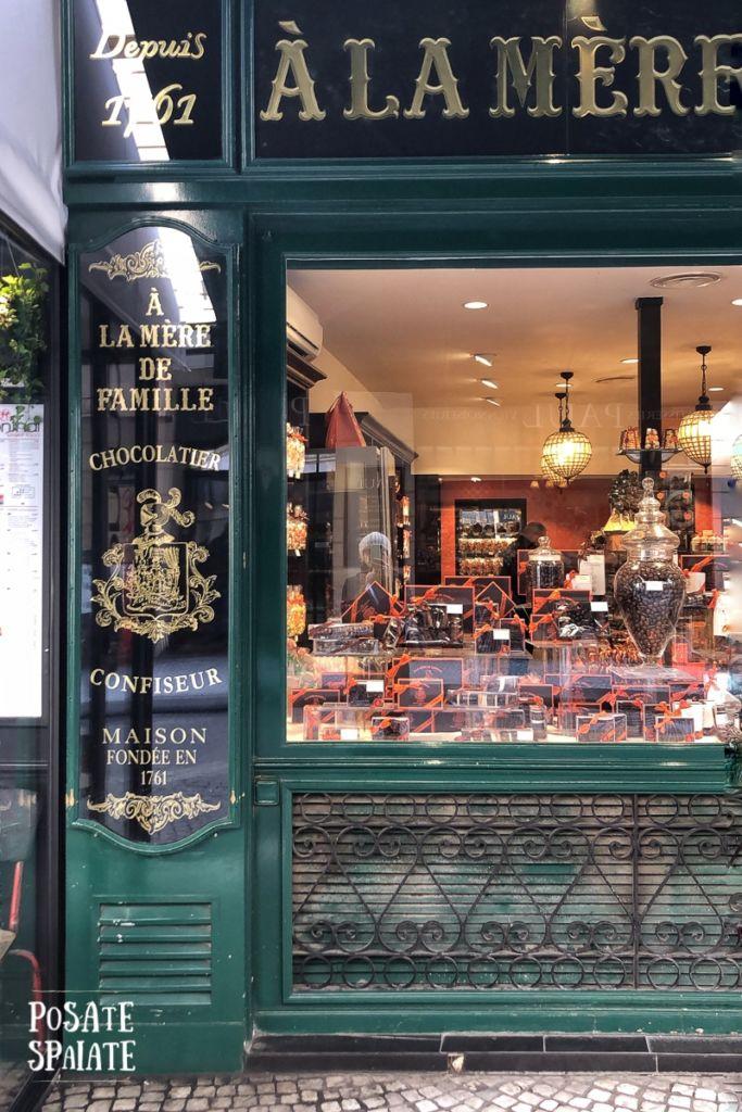 A la mere fe famille Paris_Posate Spaiate